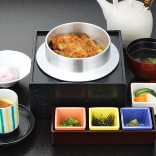 食べるべき逸品!4つに変化する味を楽しめる「鰻釜(うかま)」