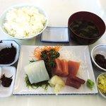 しぶき亭 - しぶき亭 @城ヶ島 まぐろ・いかさしみ定食 1,000円