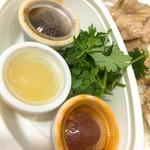 BACKPACKER'S CAFE 旅人食堂  - 3食ソース+パクチー
