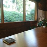 カフェ ヴァン - 大きなテーブル