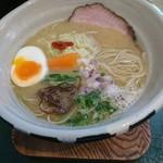ORIBE - 鶏白湯麺750円