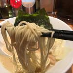 73051639 - 麺リフト