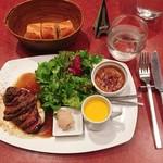 ル・プレヴェール - 牛ハラミステーキプレート 税込@1,188円 ステーキはノーマルの100gで。見た目にも嬉しい豪華なプレート♡
