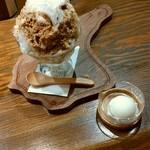 バー エトワール - ミルクティーかき氷と、ミルクアイス