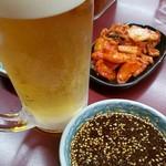 焼肉 白頭山 - 生ビールとキムチ