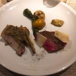 73062841 - 池田牛ロースと 雪幻豚炭火焼と 旬野菜