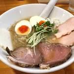 極汁美麺 umami - 料理写真:得製 背脂煮干し