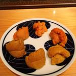 鮨 尚充 - 一皿目の雲丹南東の方向から       1〜6