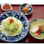 とぅばらーま - タコライス&沖縄そばセット 970円(税抜き)