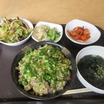 韓国 焼肉 南大門 - 暫く待つと注文した日替わり丼定食800円の完成です。
