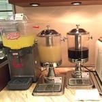 グリルキッチン ボン・ロザージュ - コーヒー・紅茶・ソフトドリンクはブッフェに含まれております。