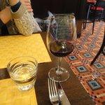 BISTRO L'Assiette - グラスワインはこれだけしか注いでくれません