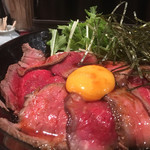 キャメル ダイナー - ローストビーフ丼