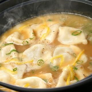 期間限定!もつ、地鶏、つくね…超濃縮地鳥スープ鍋◎全6種類◎