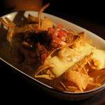 パンテラネグラ - ナチョス(タコスチップとチーズのオーブン焼き