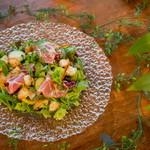 オルケスタ - サラダは自家製のドレッシングでどうぞ!