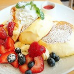 73102738 - ふわふわミックスフルーツパンケーキ     ¥1320