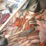 おかもと鮮魚店  - クーラーケース3