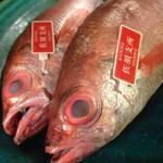 SAKE家 心花 - 料理写真:築地市場から新鮮で旬な最高級の魚介を仕入れています。