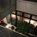 73115545 - 階段の上からテラスを見下ろす