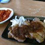 もつ焼き酒場 豚坊 - 生姜焼美味しい。