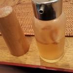 クプクプカフェ - お好みで使う辛いやつw島とうがらしを泡盛で漬けたやつ