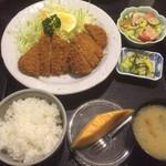 とんかつ太郎 - 特ヒレかつ定食