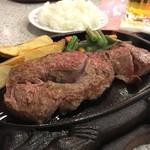 ステーキハウス88 - みすじステーキ 200g 1800円かな??おいしかったです!!安い!ソース類が色々あって嬉しい!