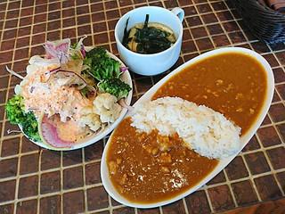タパスブランコ アキバトリム店 - ランチのサラダ・ライス・カレービュッフェ