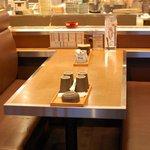 函館市場 - テーブル席