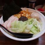 Mumei - 熟成練り醤油らーめん 大盛(700円)具だくさん(200円)※大盛は無料です。