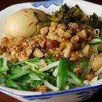 荘園 - 担仔麺(タンツー麺)480円