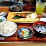 臥薪 - 〆のお食事は塩サバ