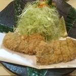 73131828 - 特ヒレかつ定食2,260円                       (ご飯・味噌汁・漬物付き)