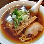 中華そば カリフォルニア - 醤油煮干しチャーシュウ麺  800円