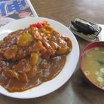 さつき食堂 - 料理写真:白飯の盛り・・・良し!