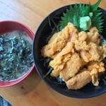 港の牡蠣センター カキ小屋 - ウニ丼汁付き