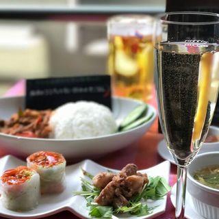 お料理との相性抜群!タイ産のお酒も多彩に取り揃えております♪