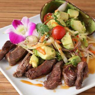 絶妙な辛味と酸味がクセになる、本格タイ料理をご提供◎