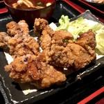 居酒屋こころ - 鶏の唐揚げ