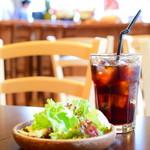 Tahitian Restaurant & Bar Papeete - セットのサラダ&アイスコーヒー
