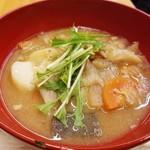 美噌元 - 豚肉とたまねぎのとろとろ味噌汁