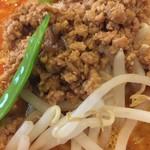 赤坂飯店 - 具の挽肉も美味しい