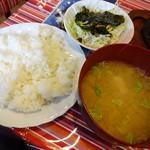 レストラン ワールド - 御飯。ミソ汁・サラダ