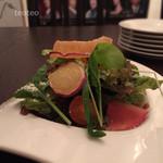 ア ビヤント  - Aランチのサラダ…奇麗〜なだけじゃなく美味しかった。トマトも大とプチとあったり、ニンジンすりおろしの入ったドレッシングも美味しい