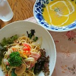 """ひぶな - 料理写真:12""""7セット 和風パスタとパンプキンスープ"""