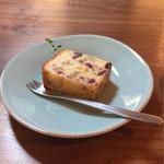 カプリ コーヒー ビーンズ - 自家製フルーツケーキ