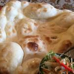 本格印度料理バターチキン - とても綺麗なナン