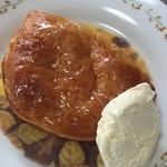 73156984 - 「料理」アップルパイとバニラアイスの組合せは最高!!!