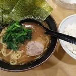73161822 - 海苔ラーメン+ライス(無料サービス!)